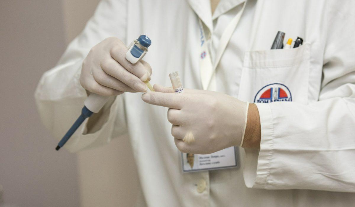 Surveillance après traitement du cancer du sein: ni trop, ni trop peu